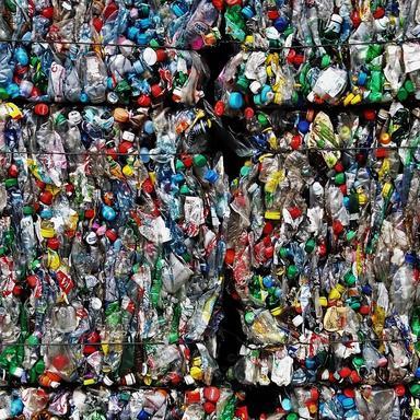 Pollution plastique : de la prise de conscience au passage à l'acte