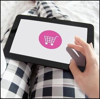 How do European women buy their cosmetics online?
