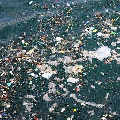 Plastique dans les océans : quelles solutions?